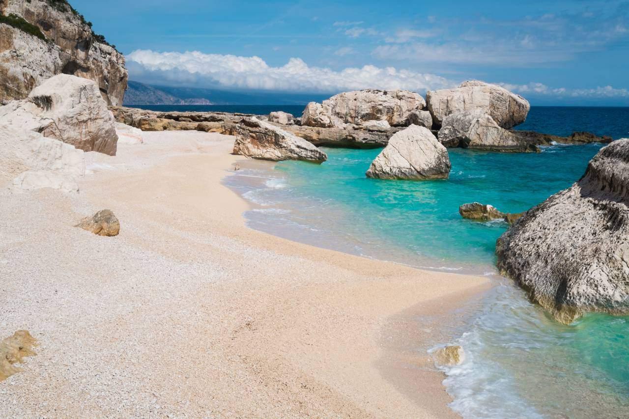 Cala-Mariolu-beach-Sardynia-front