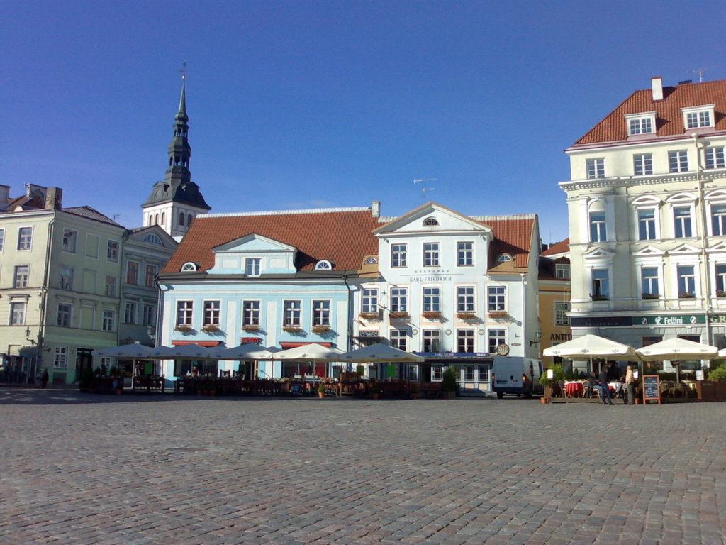 tallinn-estonia-old-town-1214926-1280x960