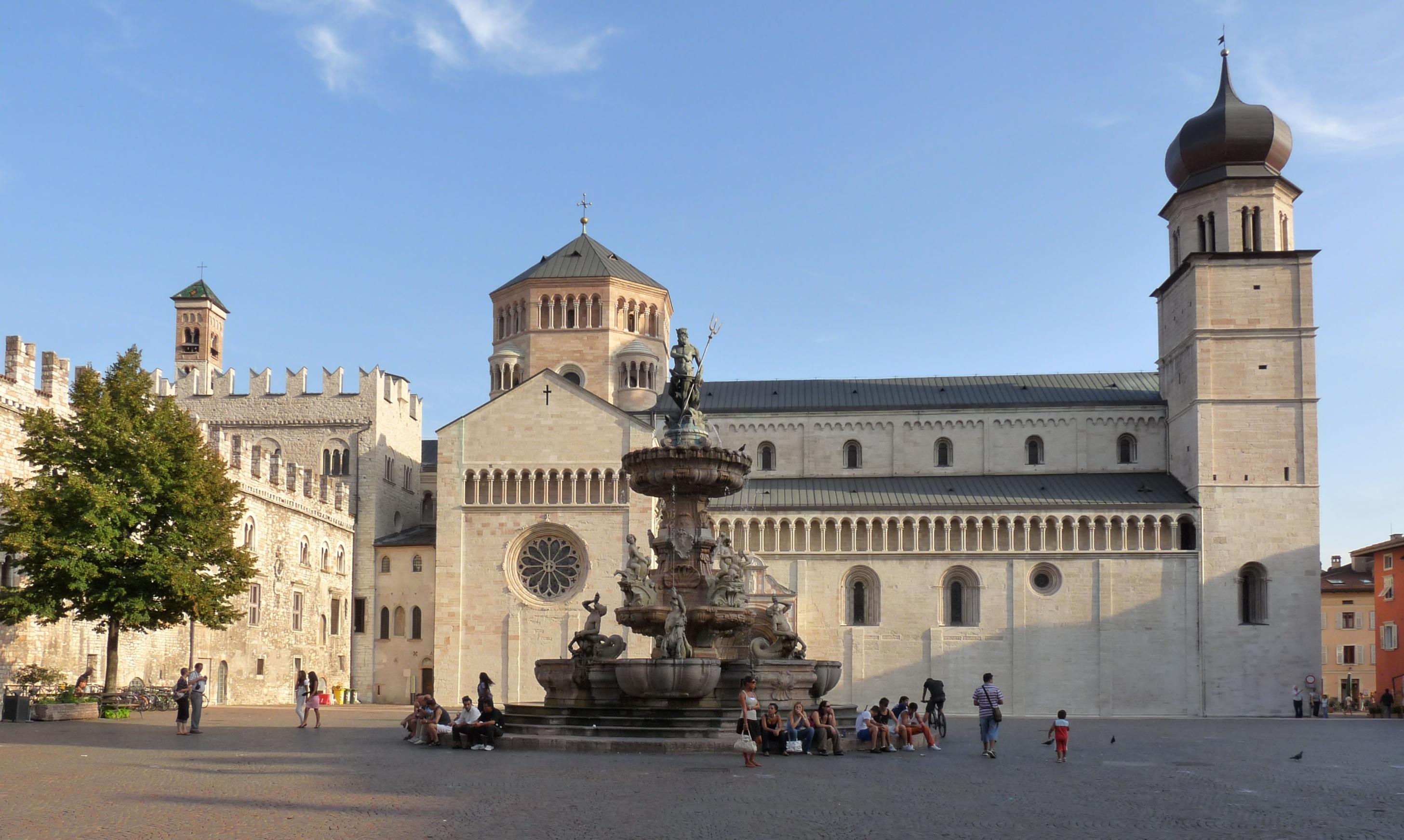 trento-piazza_del_duomo