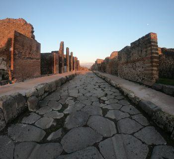 Pompei e i suoi misteri: un giorno nel passato